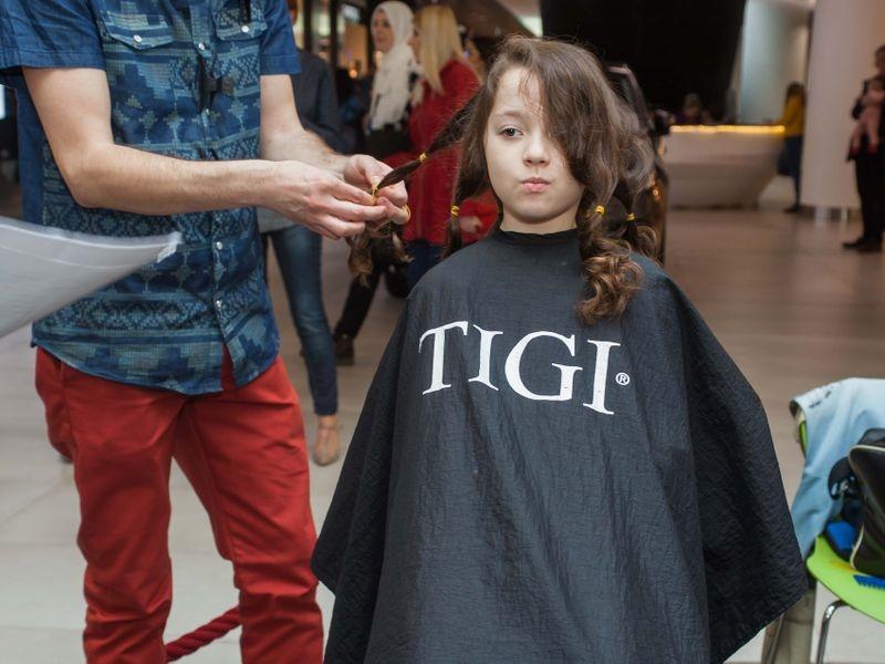 Akcija šišanja i doniranja kose u Tuzli 1