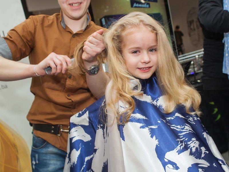 Akcija šišanja i doniranja kose u Tuzli 11