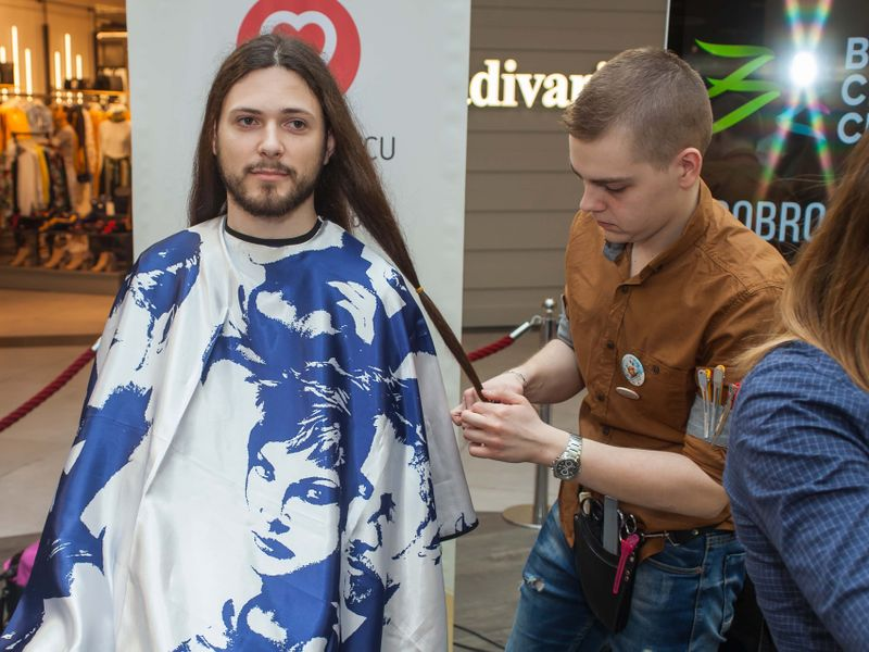 Hair cutting and donation event in Tuzla